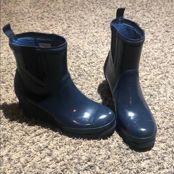 e360542e89a Sorel Women s Joan Rain Wedge Chelsea Gloss Boot. M 5bff24435c4452ba41463b01